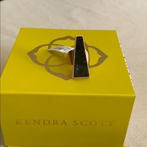 NWT Kendra Scott Collins cocktail ring in size 6.